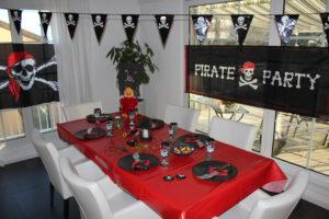 Piraten-Party als Kindergeburtstag feiern mit passenden Kostümen ...